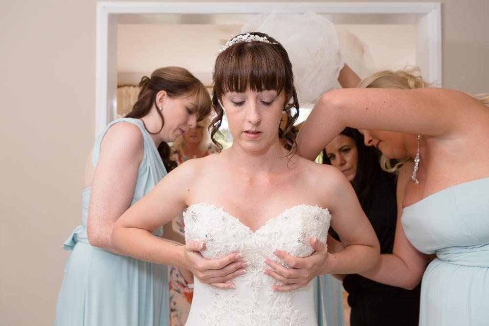 Unobtrusive wedding photography in Kent