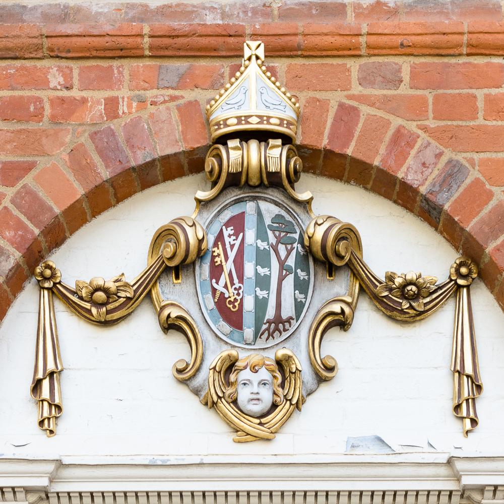 Farnham Castle Crest