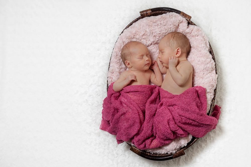 Carla-Oli-Twins-Newborn-1