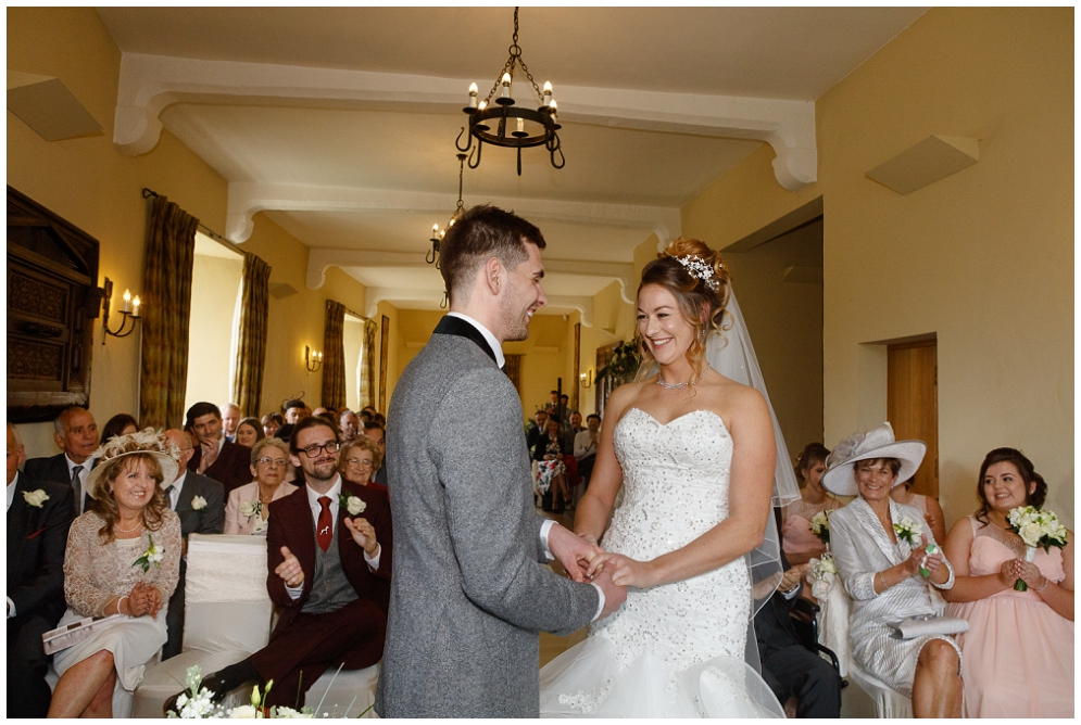 Guests clap first kiss